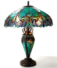 tiffany lamp…I want this lamp!